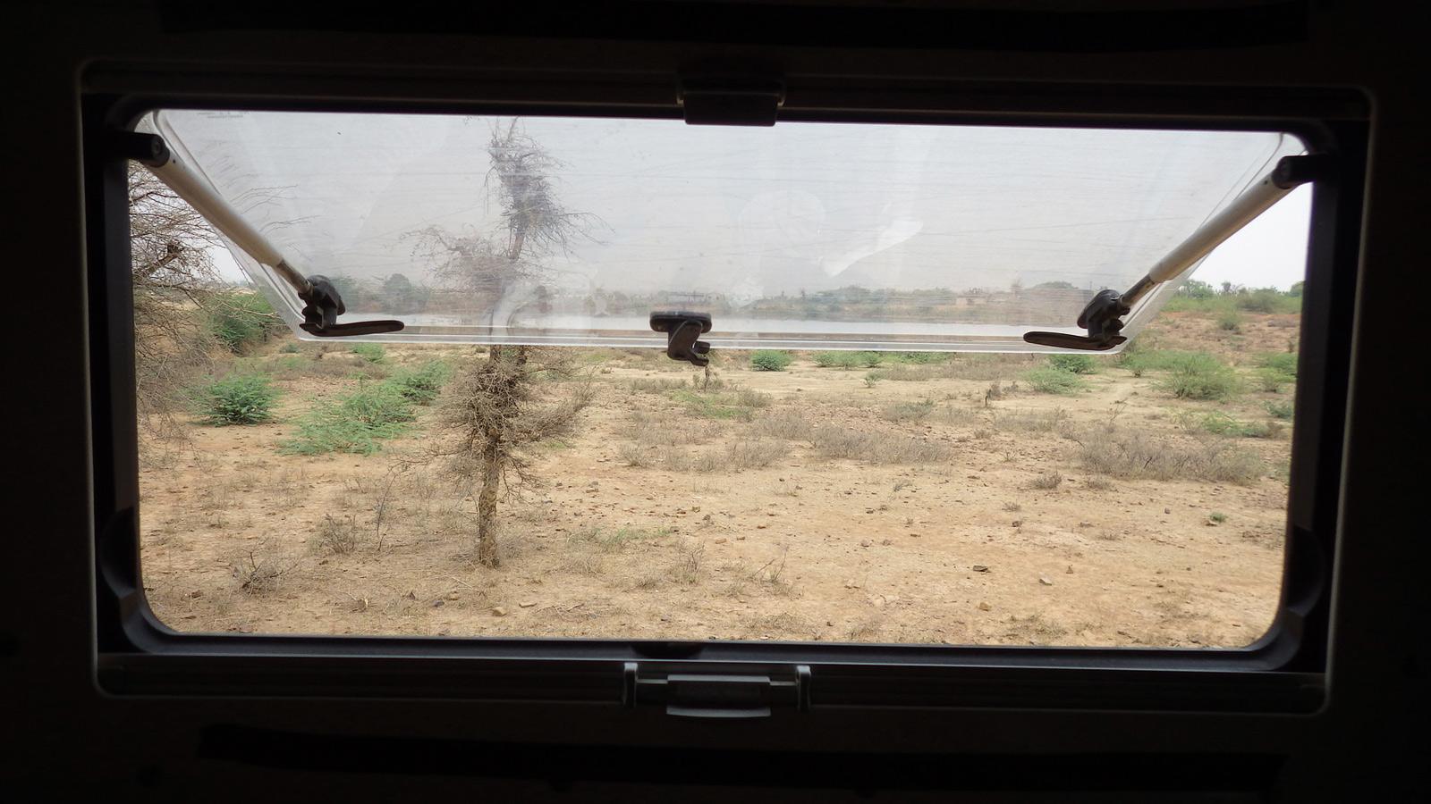 IMGP3421_2016_03_25-peu-après-Lakheri-(Rajasthan)